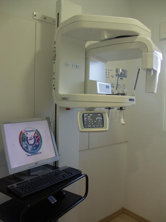 Digital Radiography (digital X-rays) in our Dentistry Dental Planet in Rojales, Spain, close to Alicante and Torrevieja